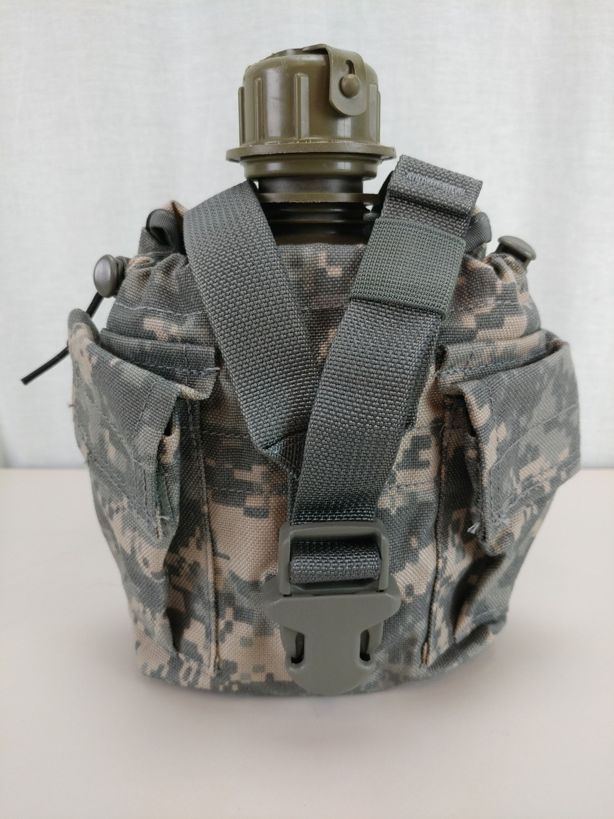 molle II canteen with cover