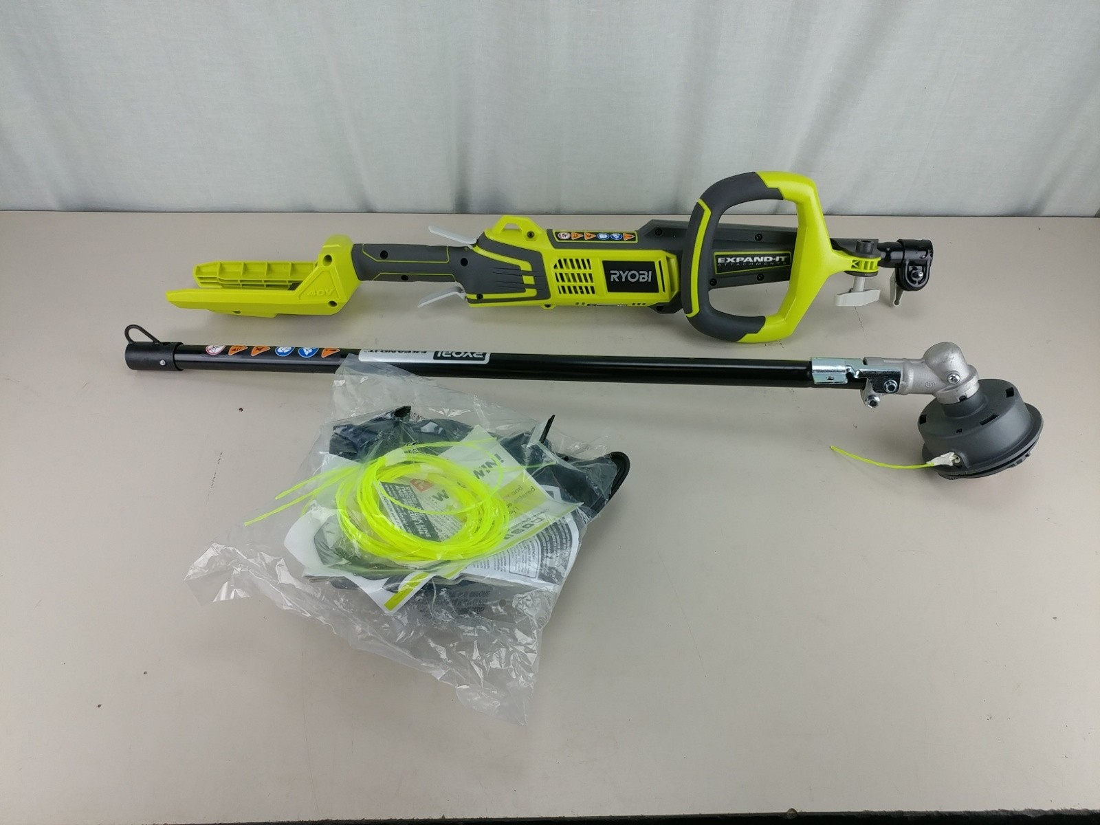Ryobi 40-Volt X Lithium-Ion Cordless Attachment Capable String Trimmer RY40220