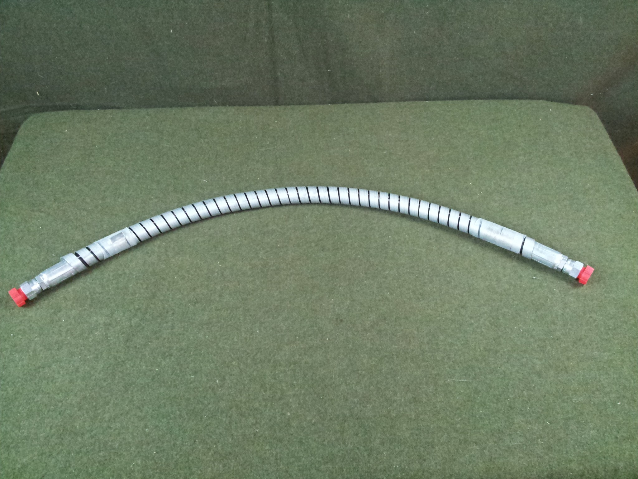 """Parker 5000 psi Hydraulic Hose with 1/2"""" Female Fittings 33"""" Long"""
