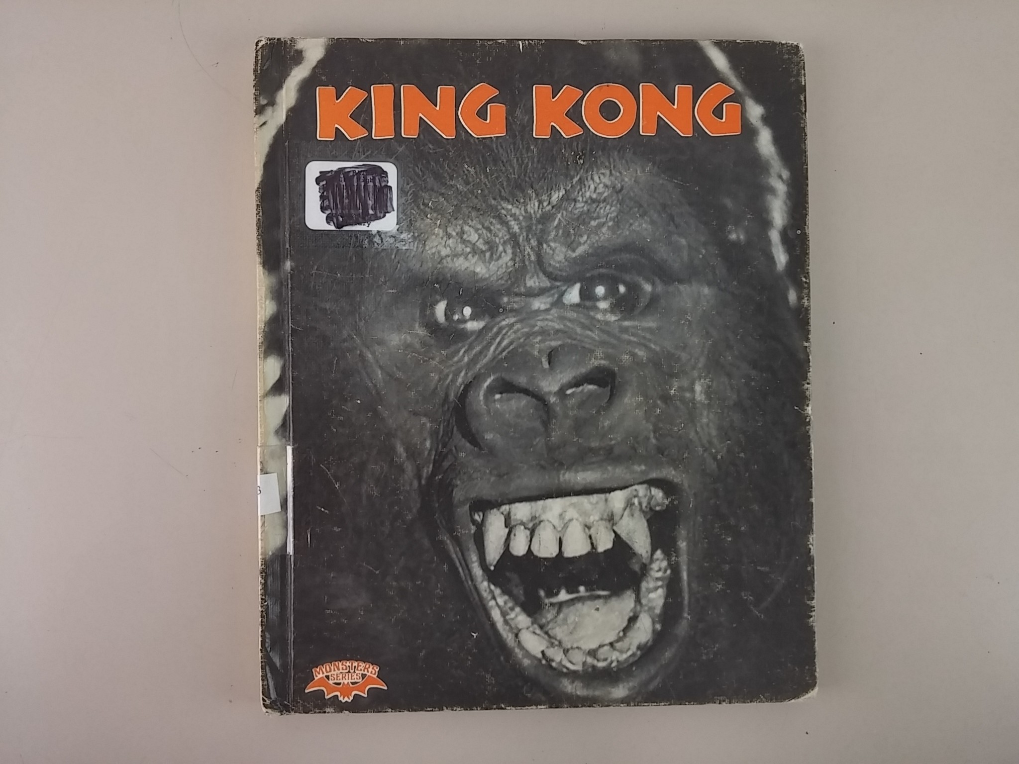 King Kong (Crestwood House Monsters Series) (Hardcover)