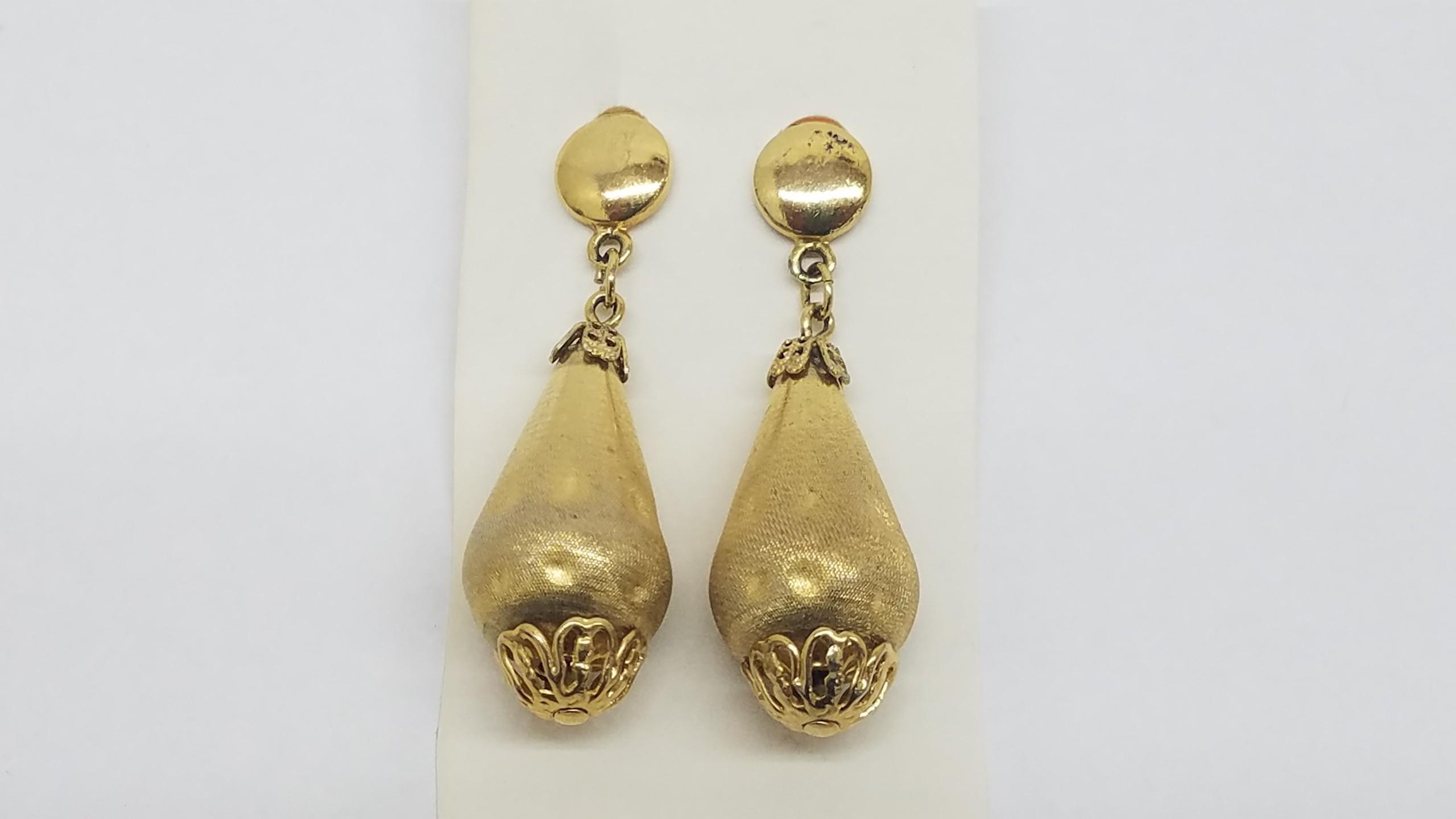 Vintage Gold Tone Dangle Clip On Earrings