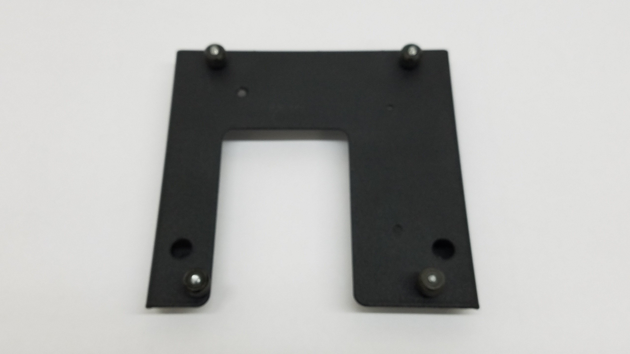 Chief SLB685 Custom Interface Bracket for RPA, RPM,Smart-Lift Projector Mounts