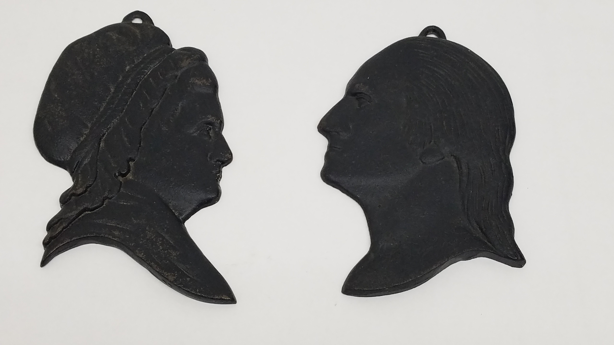 Virginia Metalcrafters Cast Iron George and Martha Washington Silhouettes