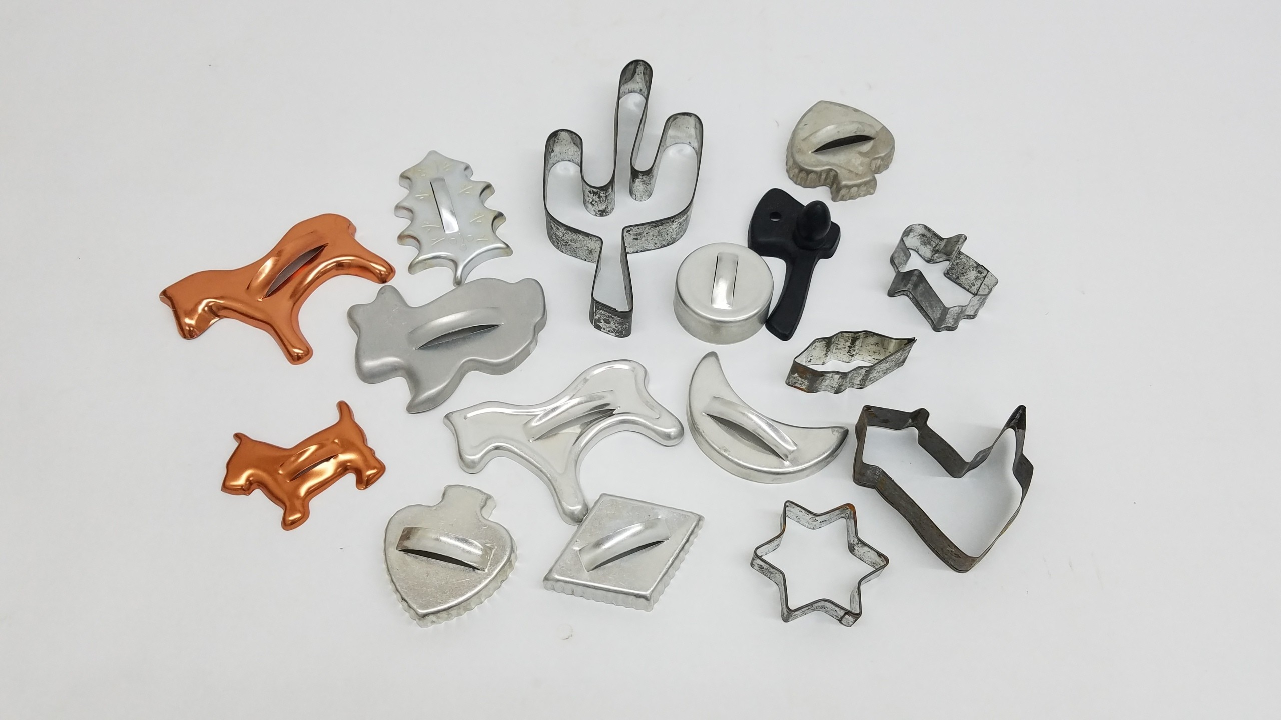 Lot of 16 Vintage Metal Cookie Cutters